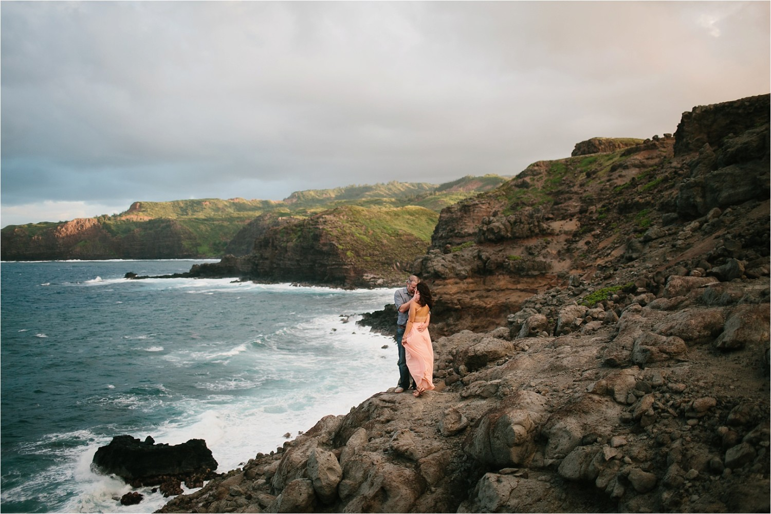 Janel + Andy || a windy cliffside anniversary session in Maui, HI