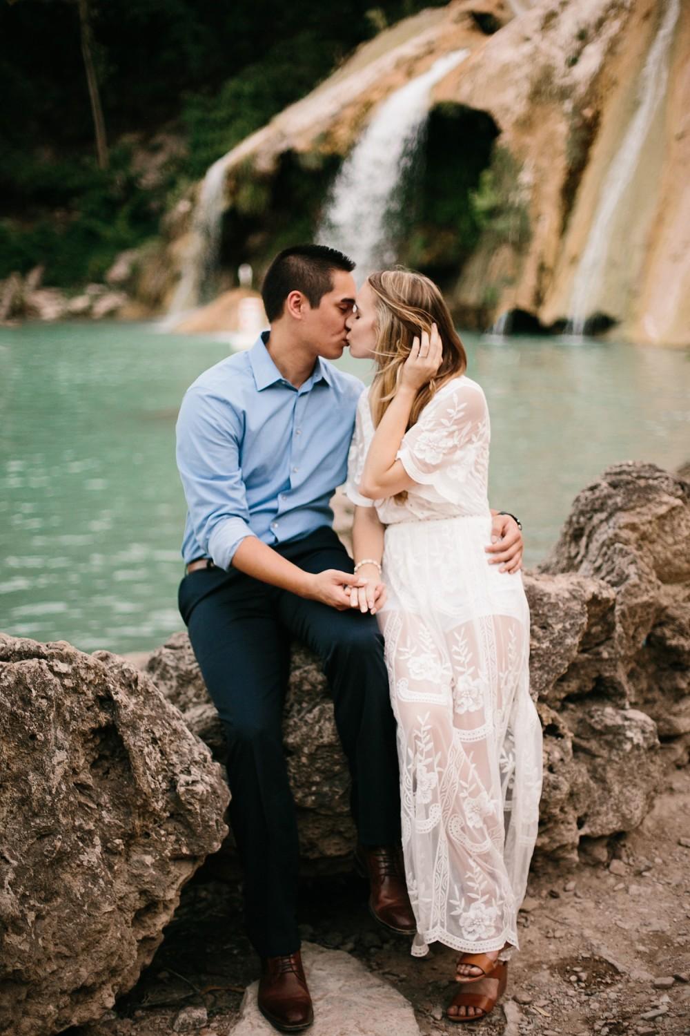 a romantic, adventurous engagement session at Turner Falls in Oklahoma by North Texas Wedding Photographer, Rachel Meagan Photography _ 44