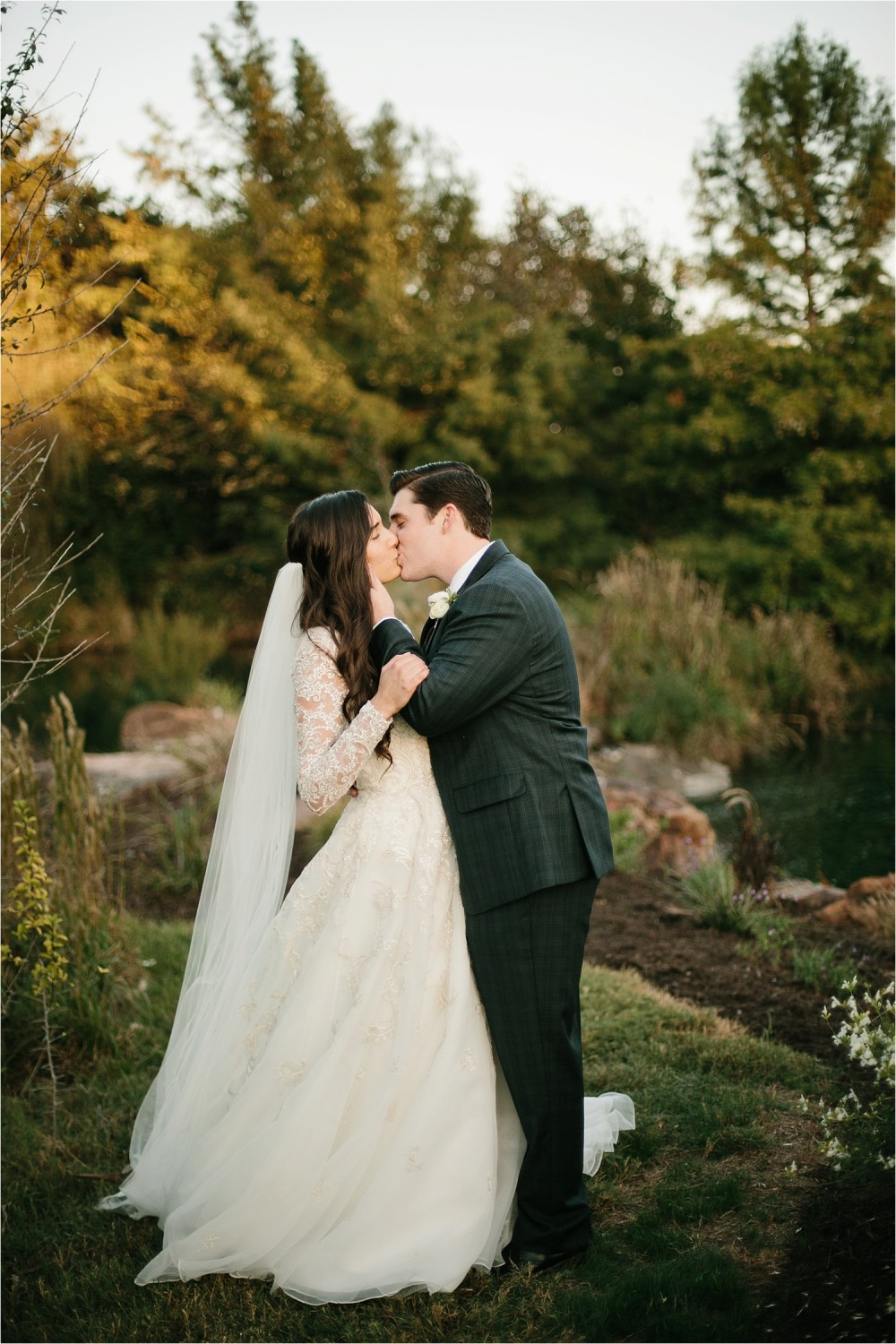 an-elegant-family-ranch-wedding-on-lake-worth-with-burgundy-apricot-and-blush-inspired-decorations-by-north-texas-wedding-photographer-rachel-meagan-photography-_-44