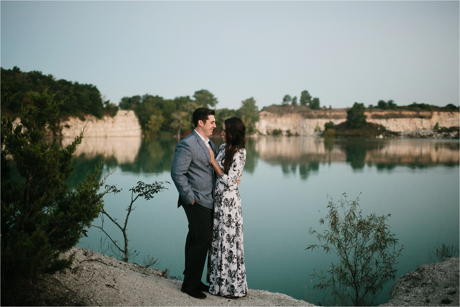 an-intimate-sunrise-session-by-north-texas-wedding-photographer-rachel-meagan-photography-_-01