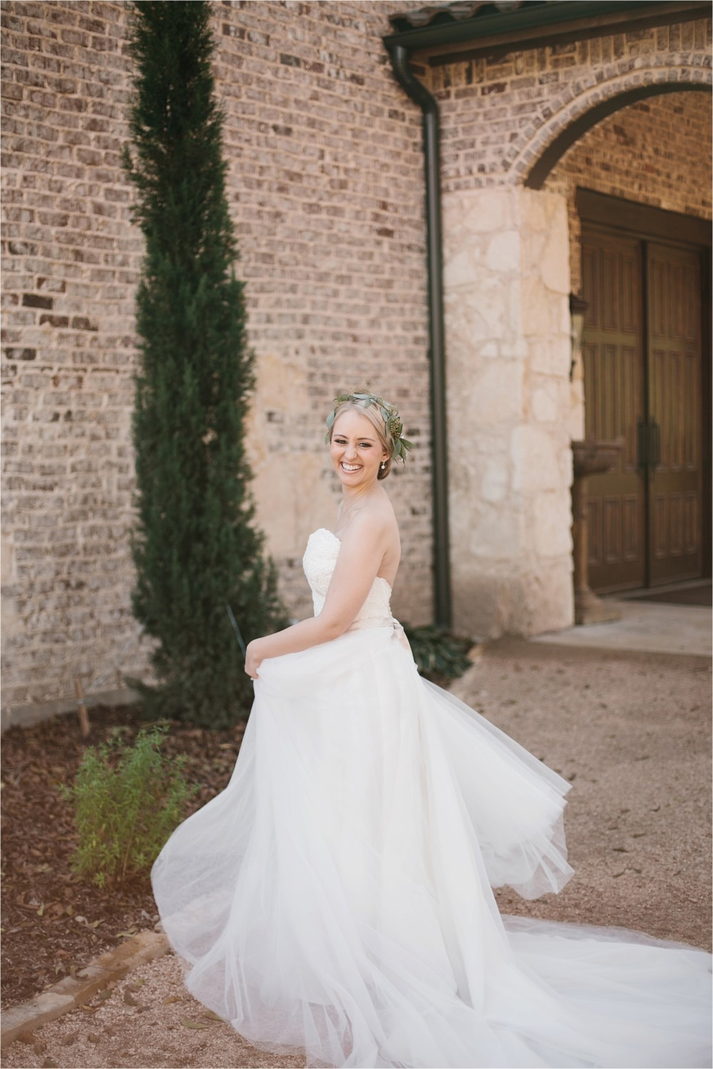 brad-lara-__-a-grey-and-blush-pink-intimate-wedding-at-hidden-waters-event-center-in-waxahachie-tx-by-north-texas-wedding-photographer-rachel-meagan-photography-_-017
