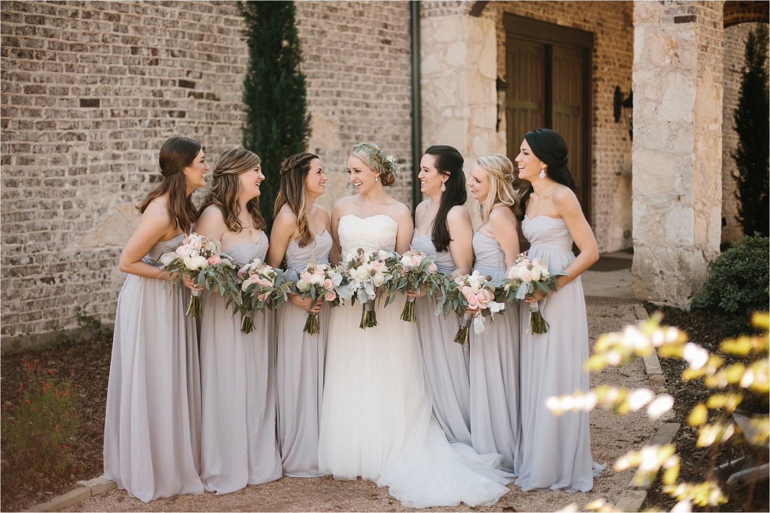 brad-lara-__-a-grey-and-blush-pink-intimate-wedding-at-hidden-waters-event-center-in-waxahachie-tx-by-north-texas-wedding-photographer-rachel-meagan-photography-_-020