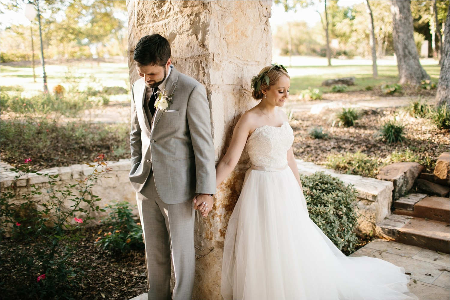 brad-lara-__-a-grey-and-blush-pink-intimate-wedding-at-hidden-waters-event-center-in-waxahachie-tx-by-north-texas-wedding-photographer-rachel-meagan-photography-_-035