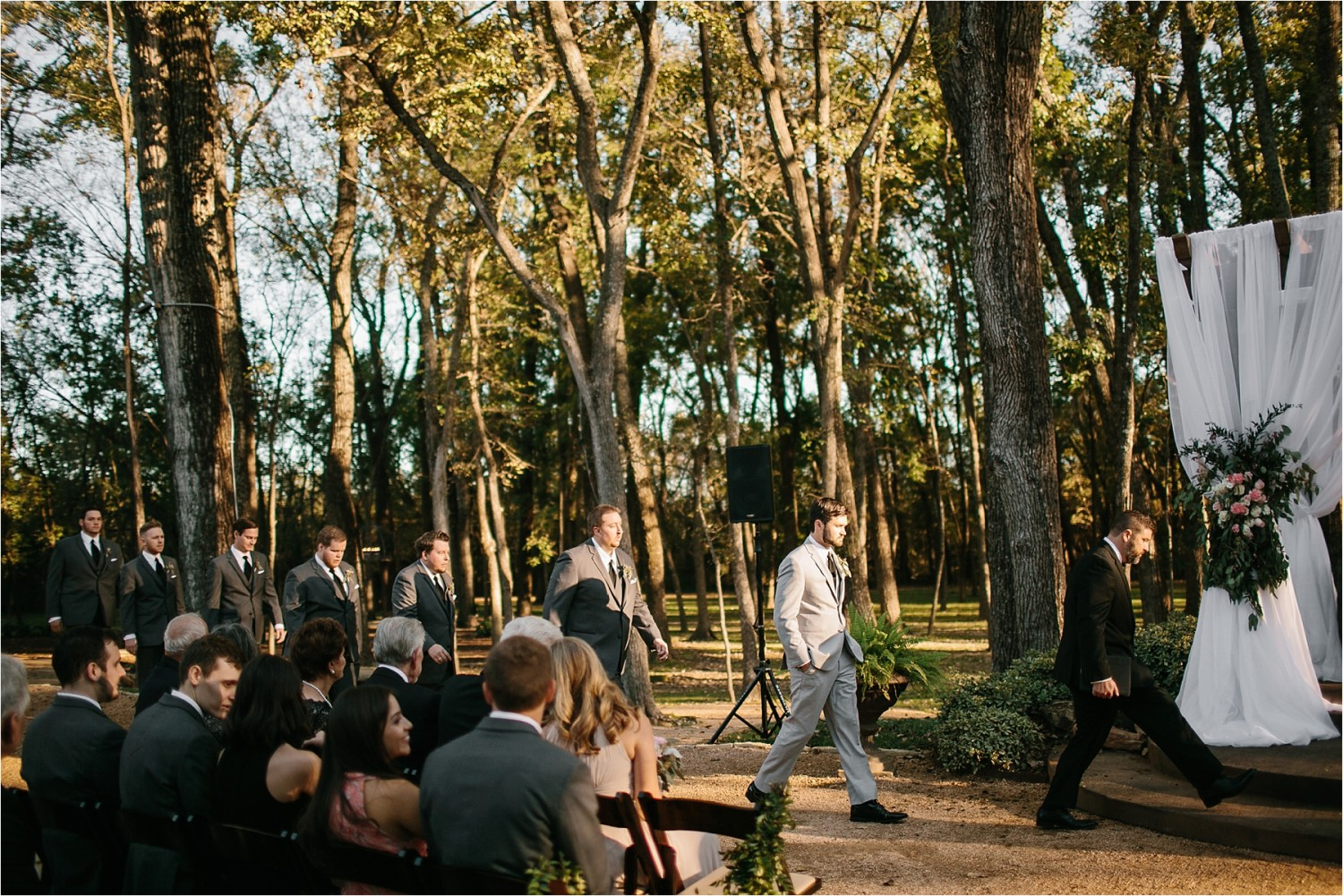 brad-lara-__-a-grey-and-blush-pink-intimate-wedding-at-hidden-waters-event-center-in-waxahachie-tx-by-north-texas-wedding-photographer-rachel-meagan-photography-_-040
