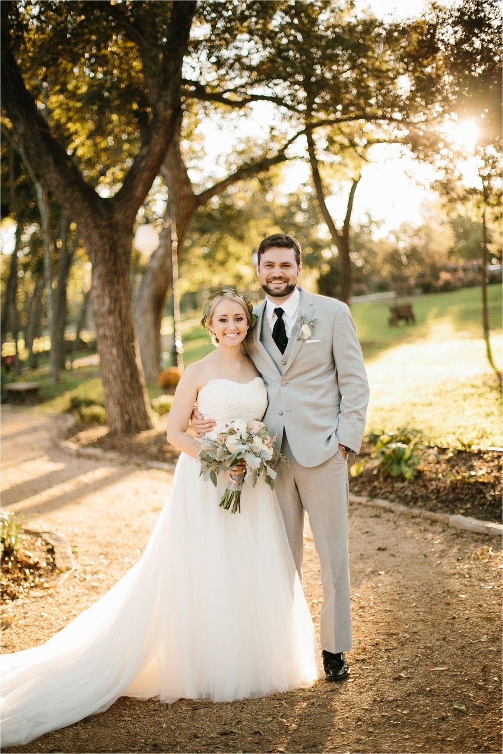 brad-lara-__-a-grey-and-blush-pink-intimate-wedding-at-hidden-waters-event-center-in-waxahachie-tx-by-north-texas-wedding-photographer-rachel-meagan-photography-_-055