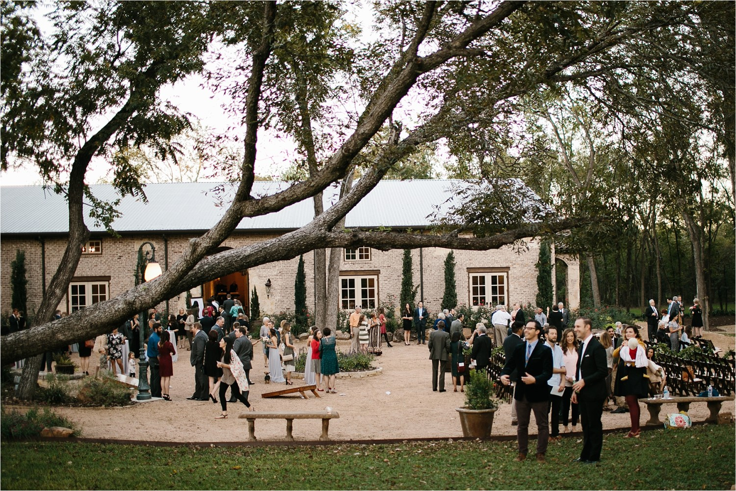 brad-lara-__-a-grey-and-blush-pink-intimate-wedding-at-hidden-waters-event-center-in-waxahachie-tx-by-north-texas-wedding-photographer-rachel-meagan-photography-_-071