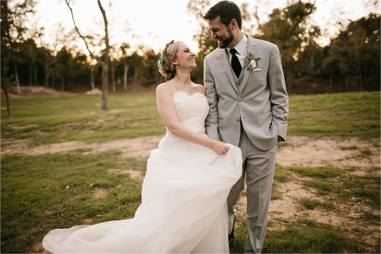 brad-lara-__-a-grey-and-blush-pink-intimate-wedding-at-hidden-waters-event-center-in-waxahachie-tx-by-north-texas-wedding-photographer-rachel-meagan-photography-_-074