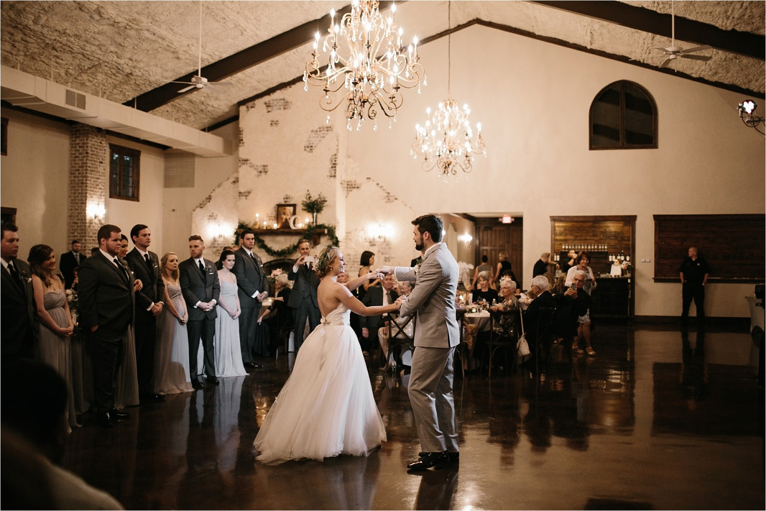brad-lara-__-a-grey-and-blush-pink-intimate-wedding-at-hidden-waters-event-center-in-waxahachie-tx-by-north-texas-wedding-photographer-rachel-meagan-photography-_-078