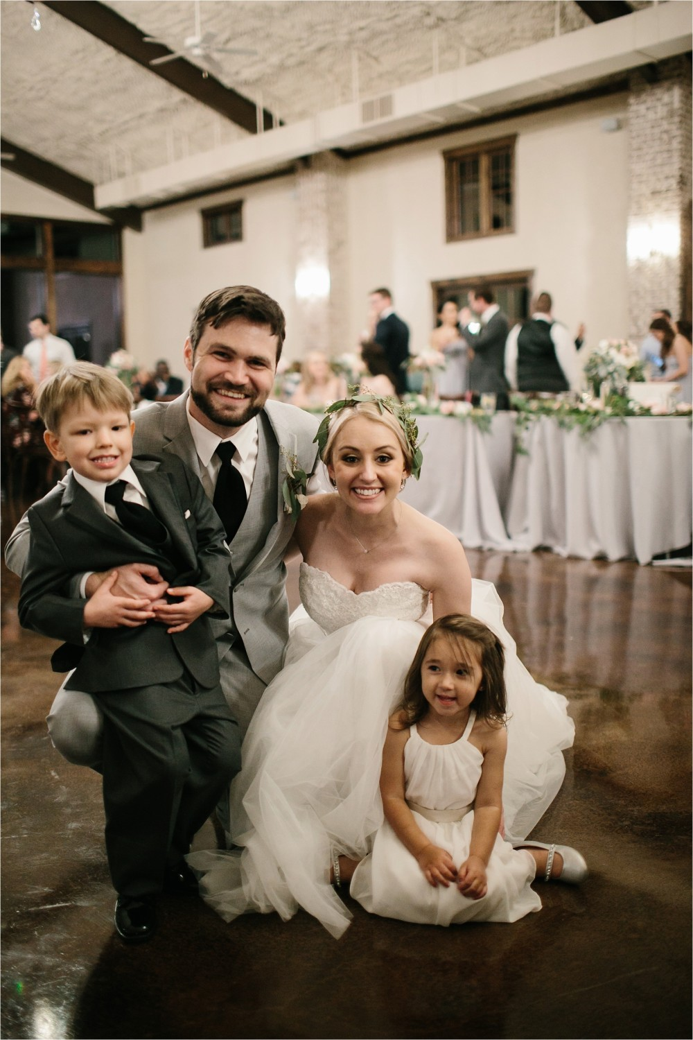 brad-lara-__-a-grey-and-blush-pink-intimate-wedding-at-hidden-waters-event-center-in-waxahachie-tx-by-north-texas-wedding-photographer-rachel-meagan-photography-_-084