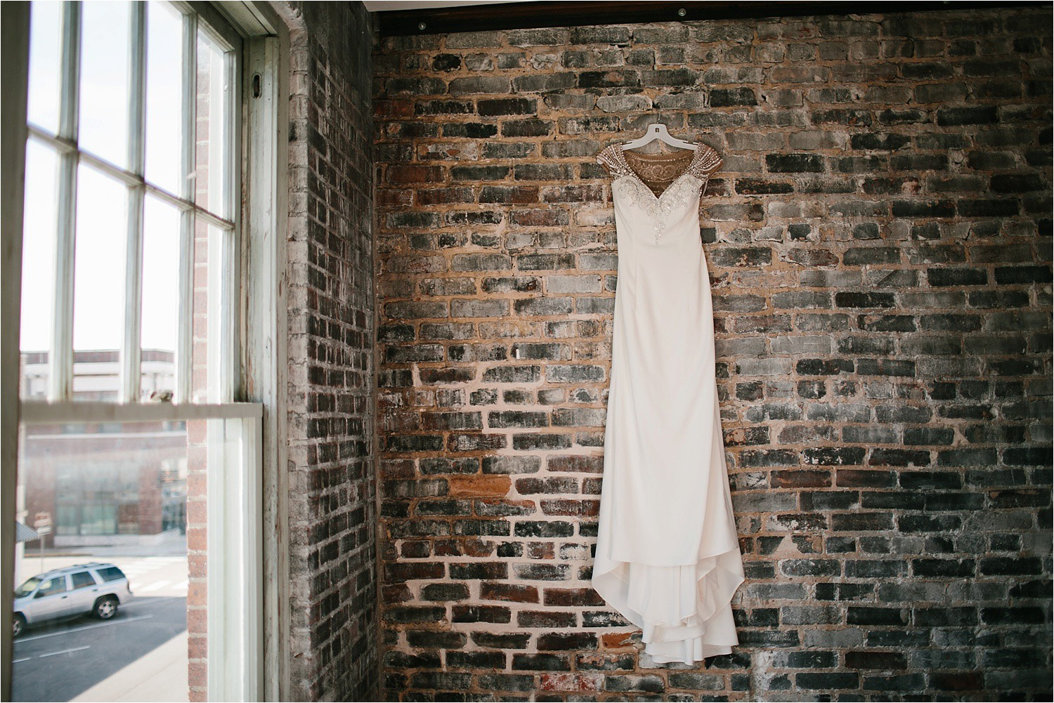 whittney-drew-__-an-intimate-wine-and-navy-wedding-in-an-industrial-venue-at-loft-123-in-paris-tx-by-north-texas-wedding-photographer-rachel-meagan-photography-_-001