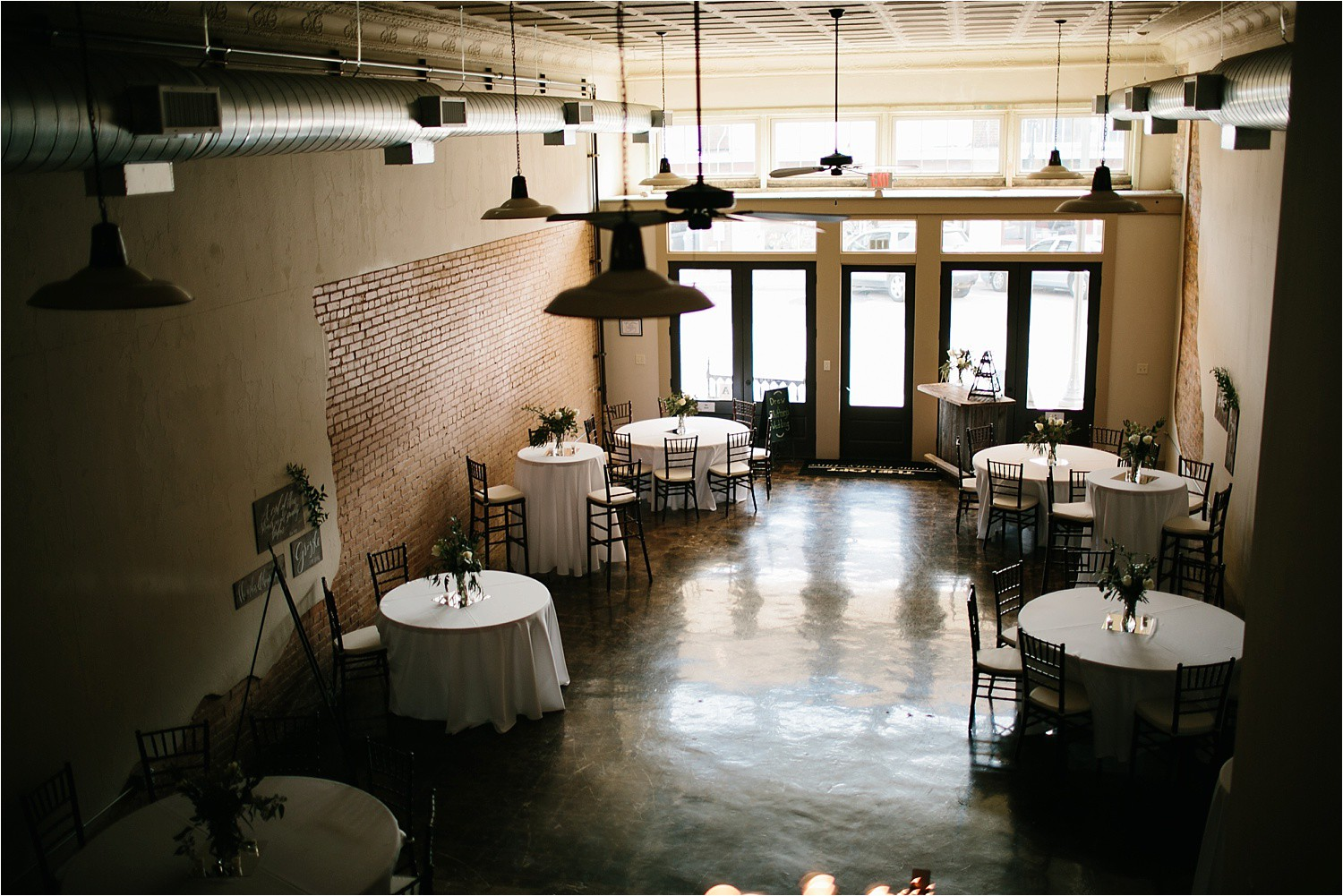whittney-drew-__-an-intimate-wine-and-navy-wedding-in-an-industrial-venue-at-loft-123-in-paris-tx-by-north-texas-wedding-photographer-rachel-meagan-photography-_-008