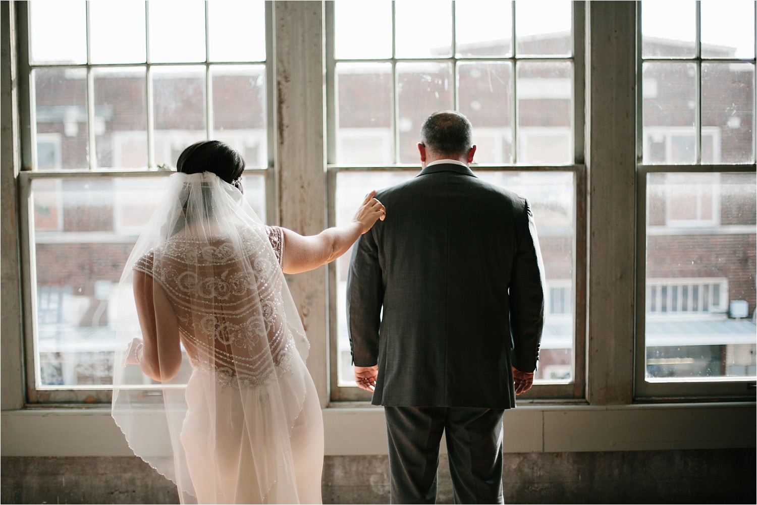whittney-drew-__-an-intimate-wine-and-navy-wedding-in-an-industrial-venue-at-loft-123-in-paris-tx-by-north-texas-wedding-photographer-rachel-meagan-photography-_-022