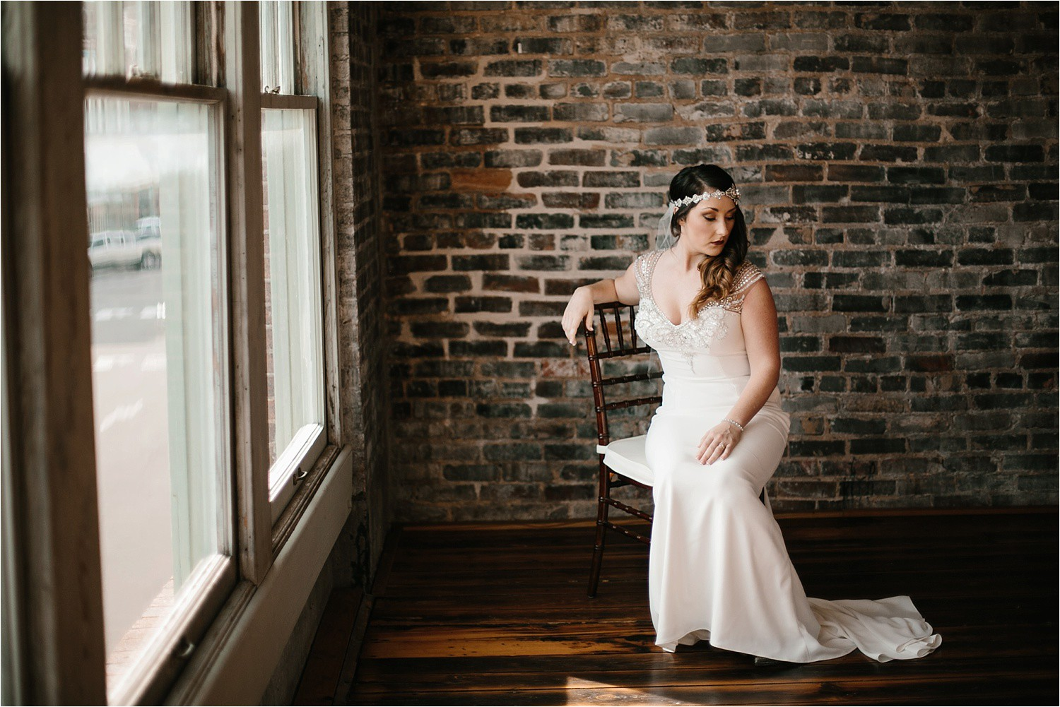 whittney-drew-__-an-intimate-wine-and-navy-wedding-in-an-industrial-venue-at-loft-123-in-paris-tx-by-north-texas-wedding-photographer-rachel-meagan-photography-_-025