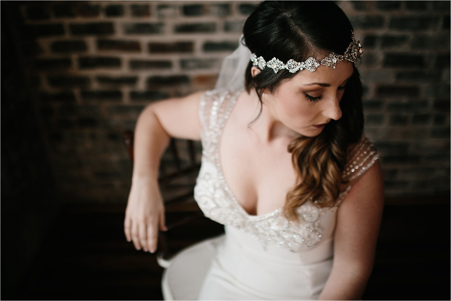 whittney-drew-__-an-intimate-wine-and-navy-wedding-in-an-industrial-venue-at-loft-123-in-paris-tx-by-north-texas-wedding-photographer-rachel-meagan-photography-_-026