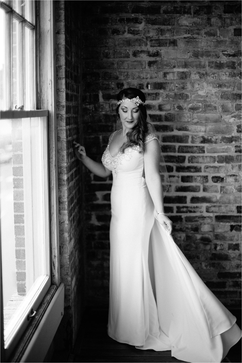 whittney-drew-__-an-intimate-wine-and-navy-wedding-in-an-industrial-venue-at-loft-123-in-paris-tx-by-north-texas-wedding-photographer-rachel-meagan-photography-_-028