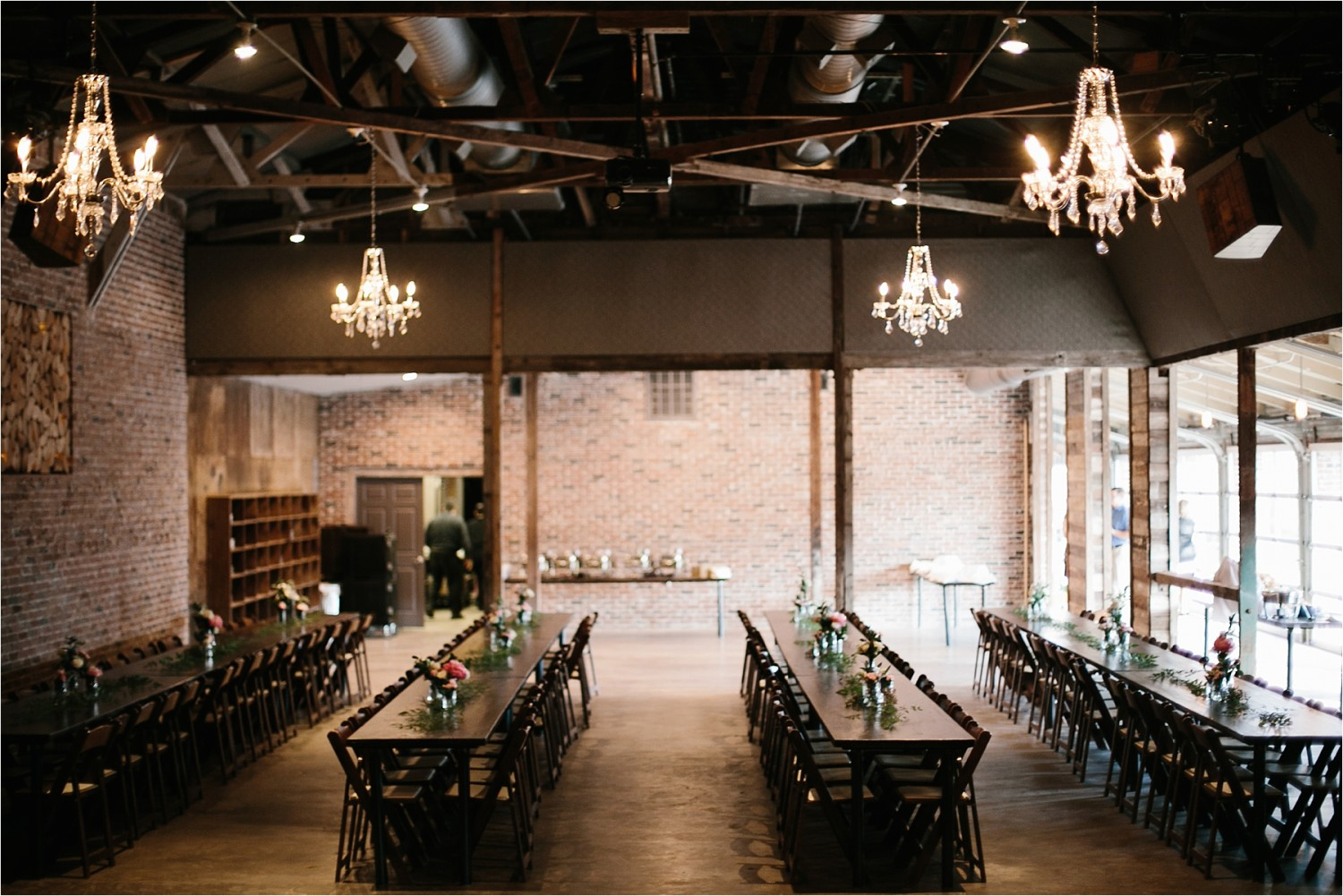 a-riffle-paper-co-inspired-color-pallete-wedding-at-mopac-event-center-in-fort-worth-tx-by-north-texas-wedding-photographer-rachel-meagan-photography-_-042