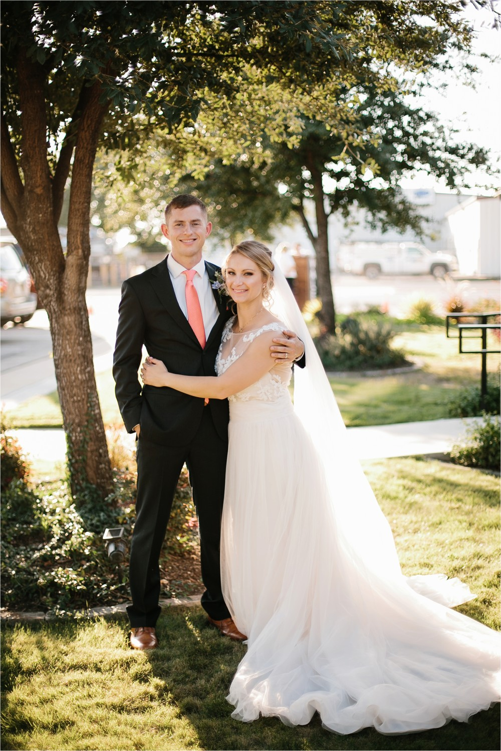 a-riffle-paper-co-inspired-color-pallete-wedding-at-mopac-event-center-in-fort-worth-tx-by-north-texas-wedding-photographer-rachel-meagan-photography-_-067