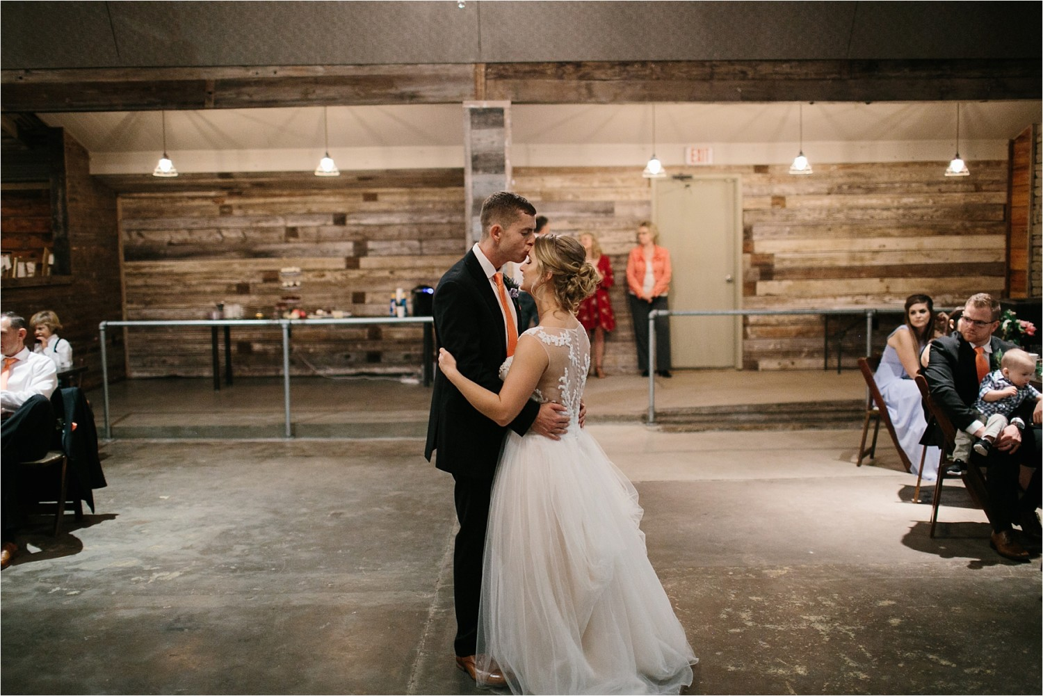 a-riffle-paper-co-inspired-color-pallete-wedding-at-mopac-event-center-in-fort-worth-tx-by-north-texas-wedding-photographer-rachel-meagan-photography-_-077