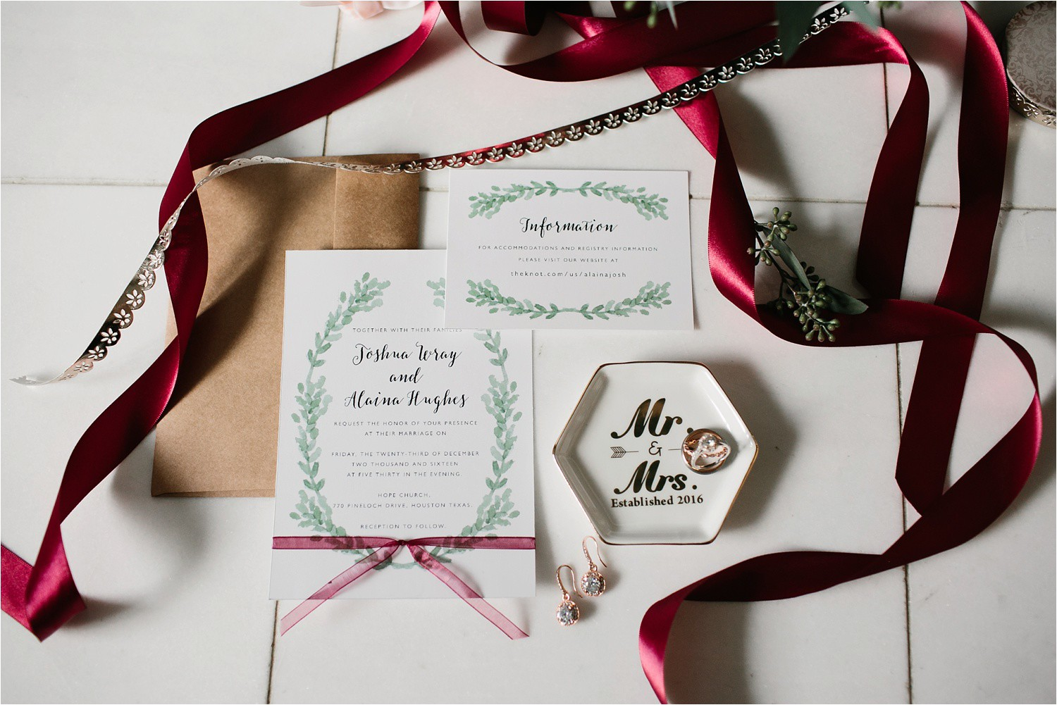 Alaina + Josh __ a wintertime wedding in Houston, TX with Christmas accents and a BHLDN dress by North Texas Wedding Photographer Rachel Meagan Photography _ 03