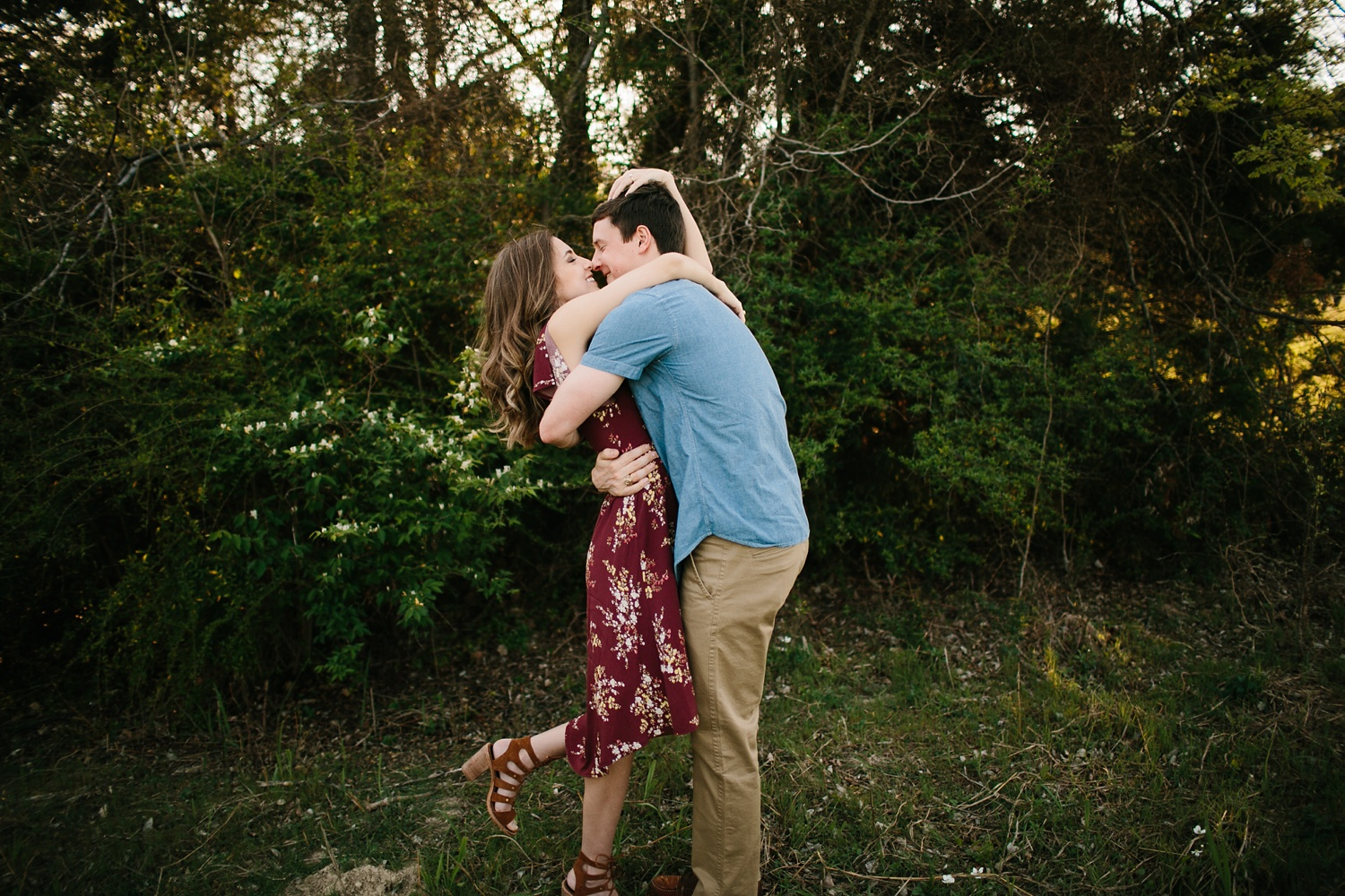 a passionate, natural, and urban engagement session in Dallas, TX by North Texas Wedding Photographer Rachel Meagan Photography _004