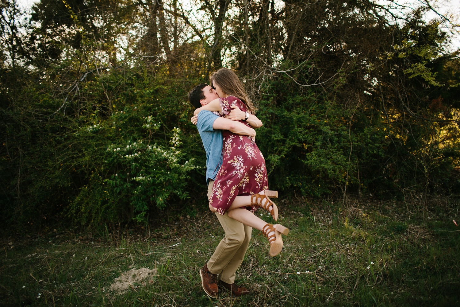a passionate, natural, and urban engagement session in Dallas, TX by North Texas Wedding Photographer Rachel Meagan Photography _005