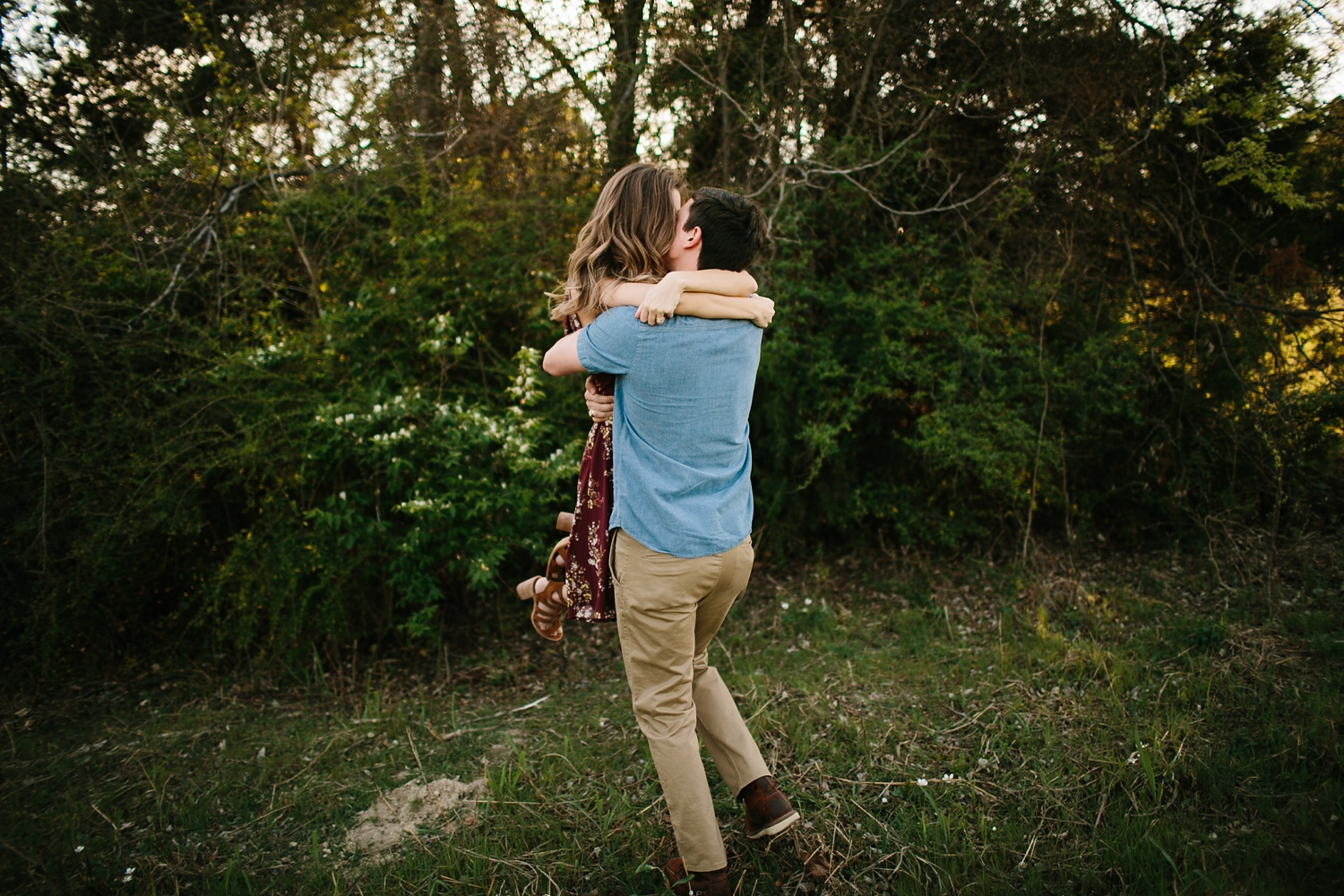 a passionate, natural, and urban engagement session in Dallas, TX by North Texas Wedding Photographer Rachel Meagan Photography _006