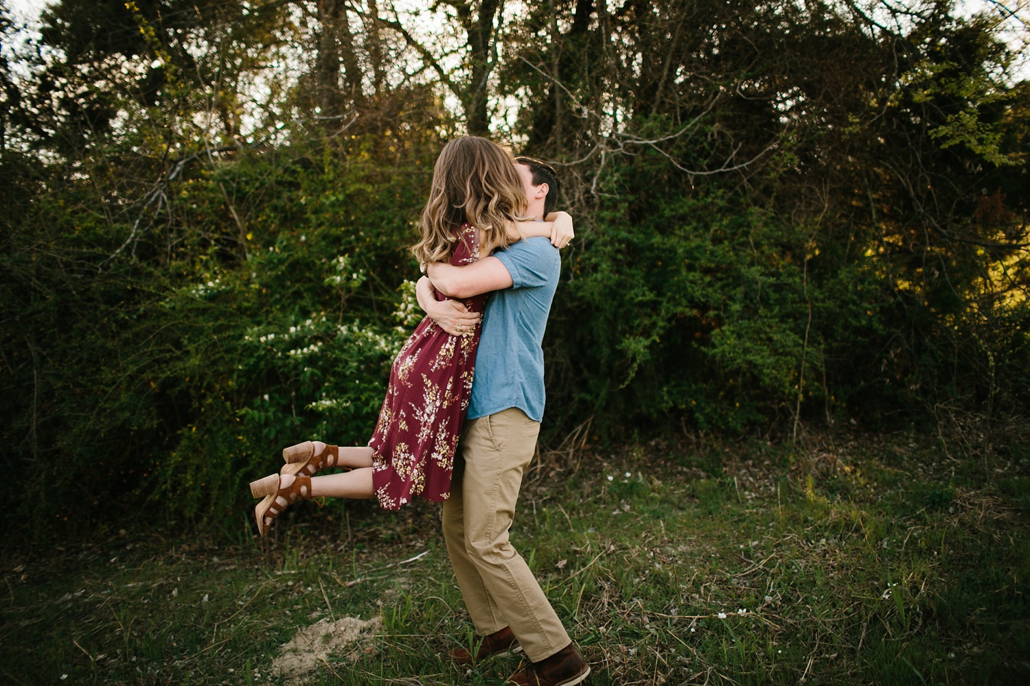 a passionate, natural, and urban engagement session in Dallas, TX by North Texas Wedding Photographer Rachel Meagan Photography _007