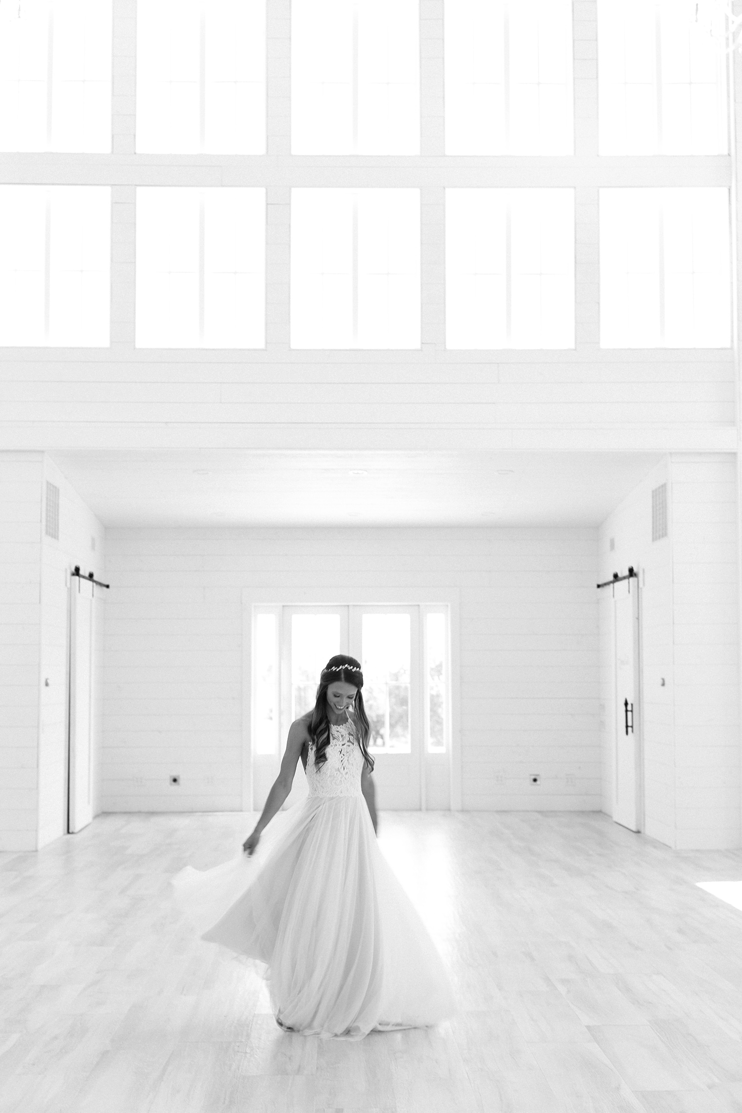 an all white minimialist style bridal session with burgundy and blush accents at The Nest at Ruth Farms in Ponder, Texas by North Texas Wedding Photographer Rachel Meagan Photography011
