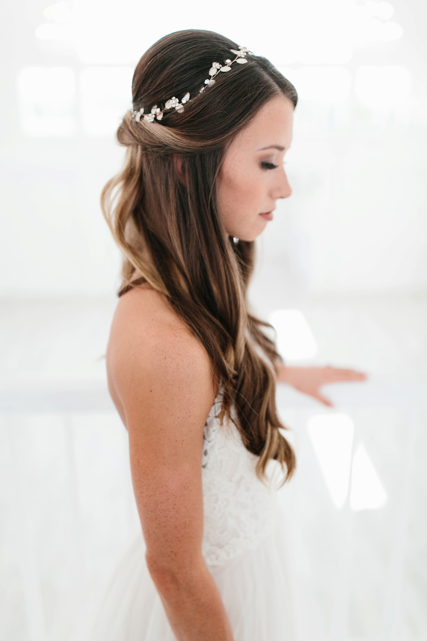 an all white minimialist style bridal session with burgundy and blush accents at The Nest at Ruth Farms in Ponder, Texas by North Texas Wedding Photographer Rachel Meagan Photography065