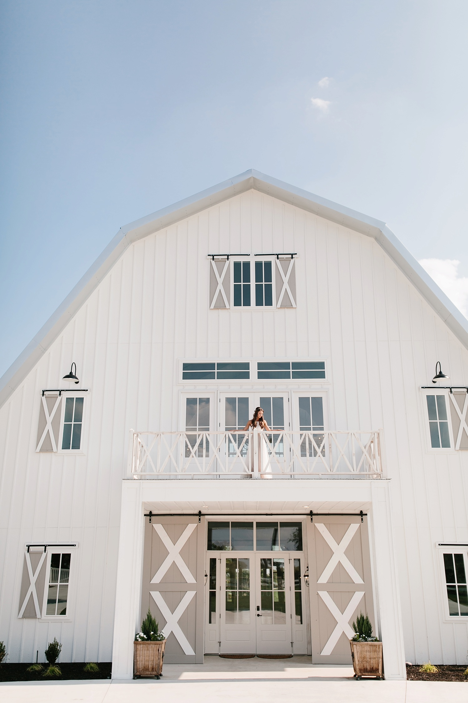 an all white minimialist style bridal session with burgundy and blush accents at The Nest at Ruth Farms in Ponder, Texas by North Texas Wedding Photographer Rachel Meagan Photography088