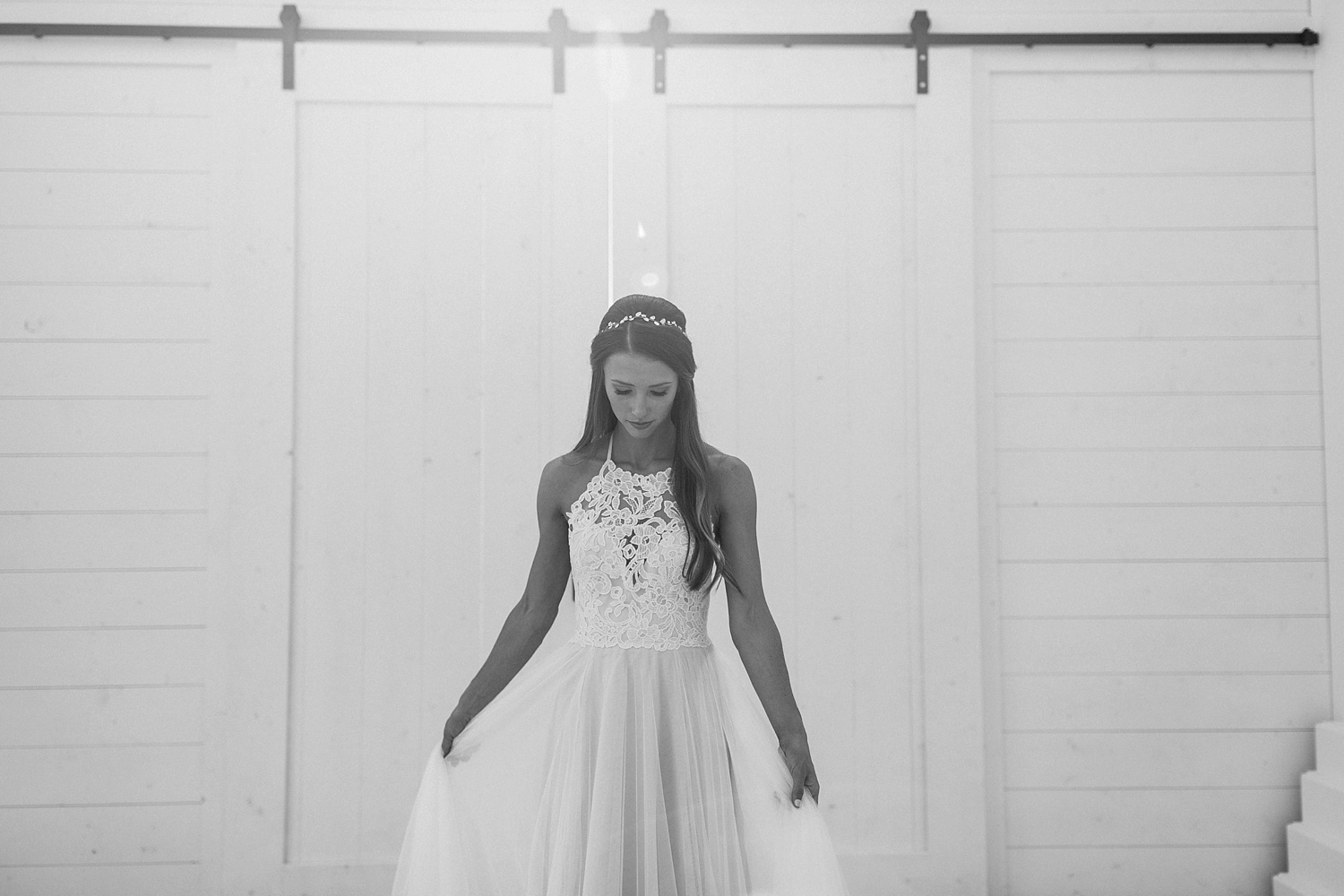 an all white minimialist style bridal session with burgundy and blush accents at The Nest at Ruth Farms in Ponder, Texas by North Texas Wedding Photographer Rachel Meagan Photography122