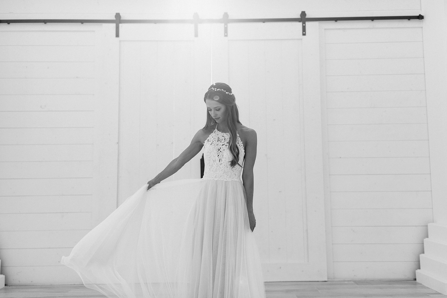 an all white minimialist style bridal session with burgundy and blush accents at The Nest at Ruth Farms in Ponder, Texas by North Texas Wedding Photographer Rachel Meagan Photography126