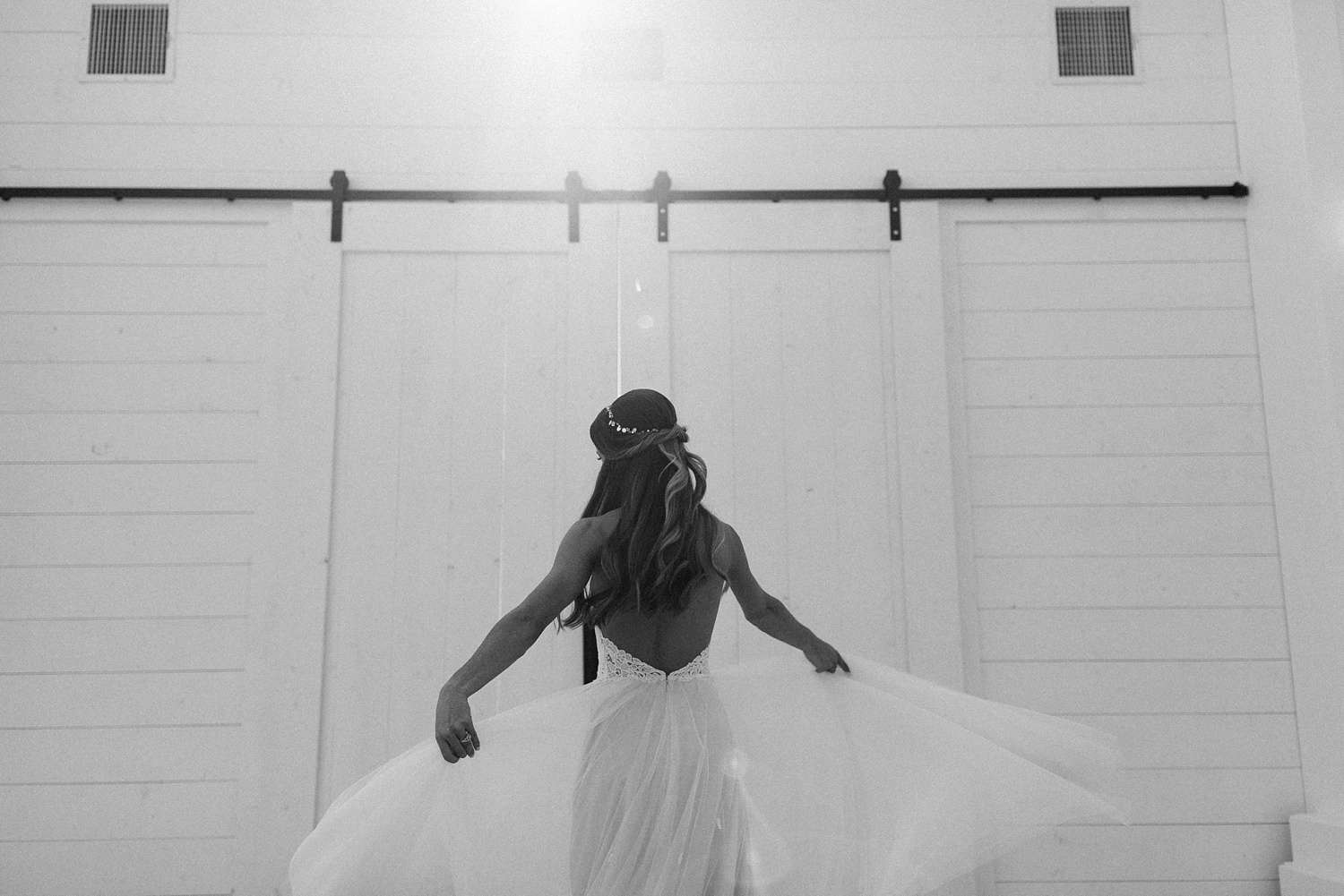 an all white minimialist style bridal session with burgundy and blush accents at The Nest at Ruth Farms in Ponder, Texas by North Texas Wedding Photographer Rachel Meagan Photography129
