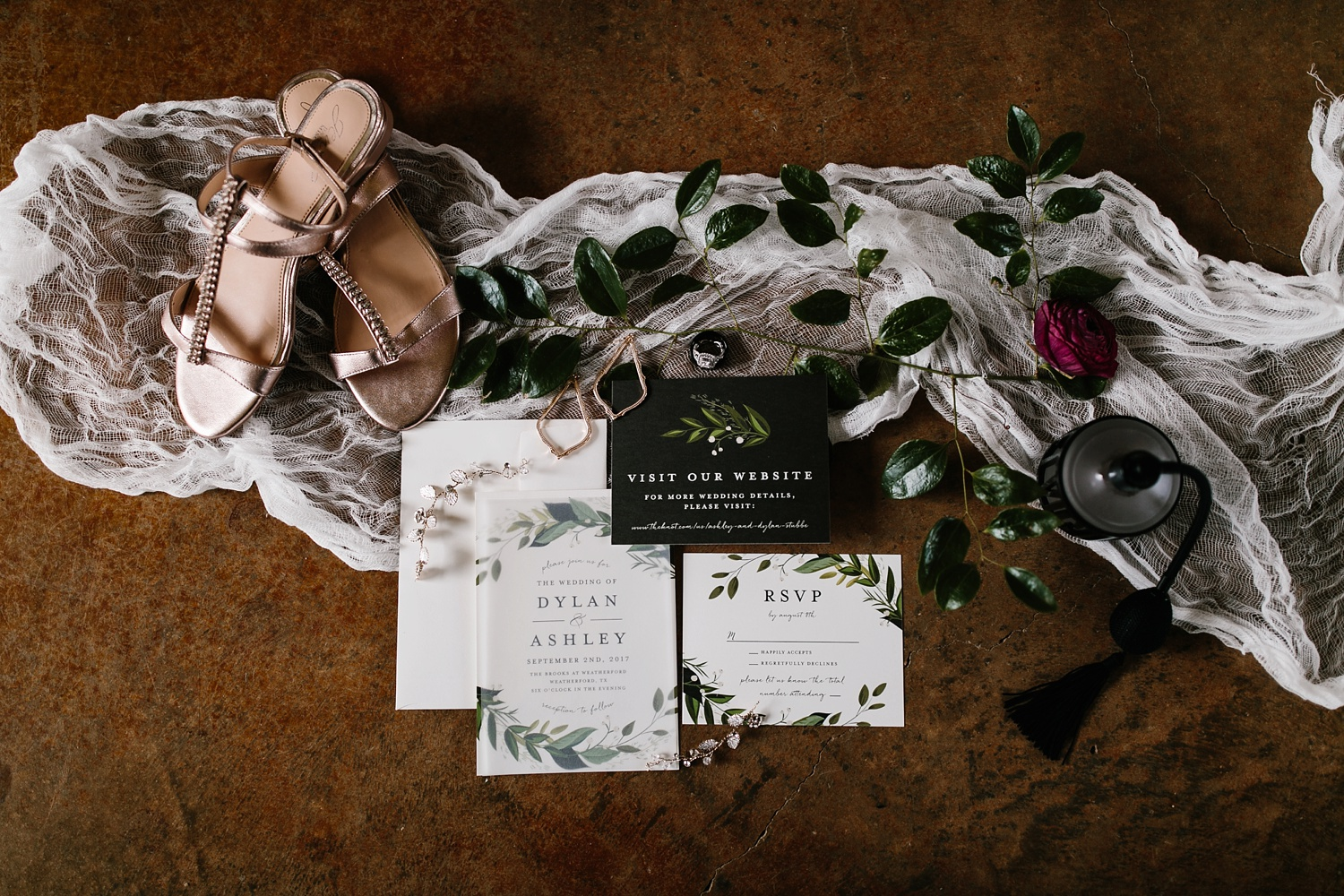 a passionate, emotion filled summer wedding with with navy and burgandy accents at The Brooks at Weatherford by North Texas Wedding Photographer, Rachel Meagan Photography _002