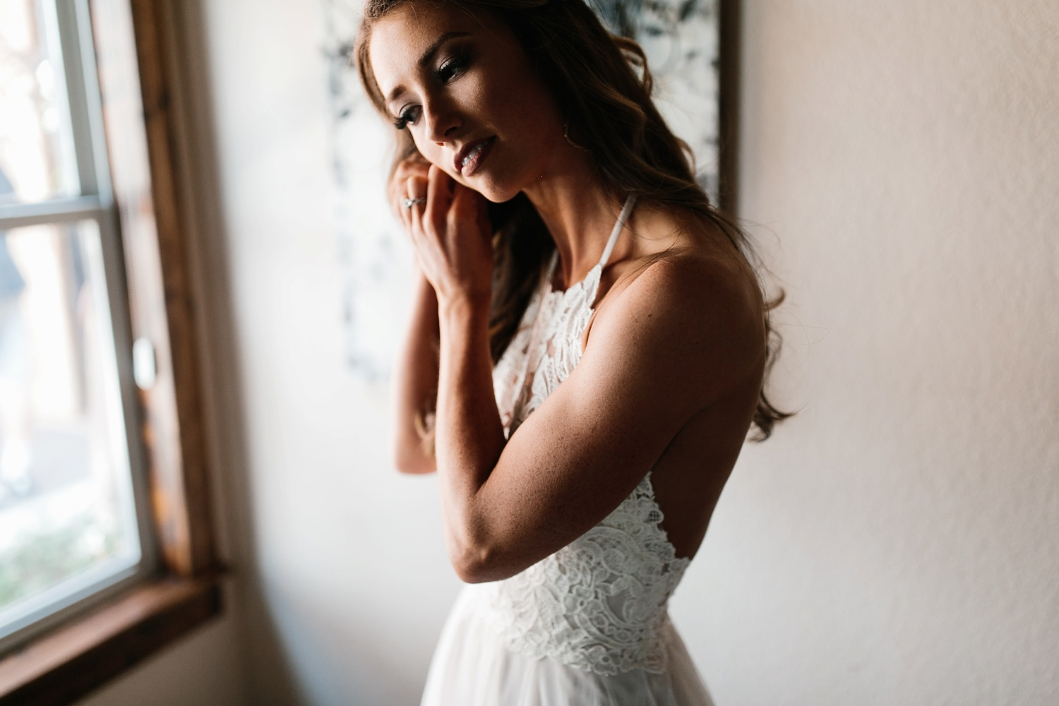 a passionate, emotion filled summer wedding with with navy and burgandy accents at The Brooks at Weatherford by North Texas Wedding Photographer, Rachel Meagan Photography _005