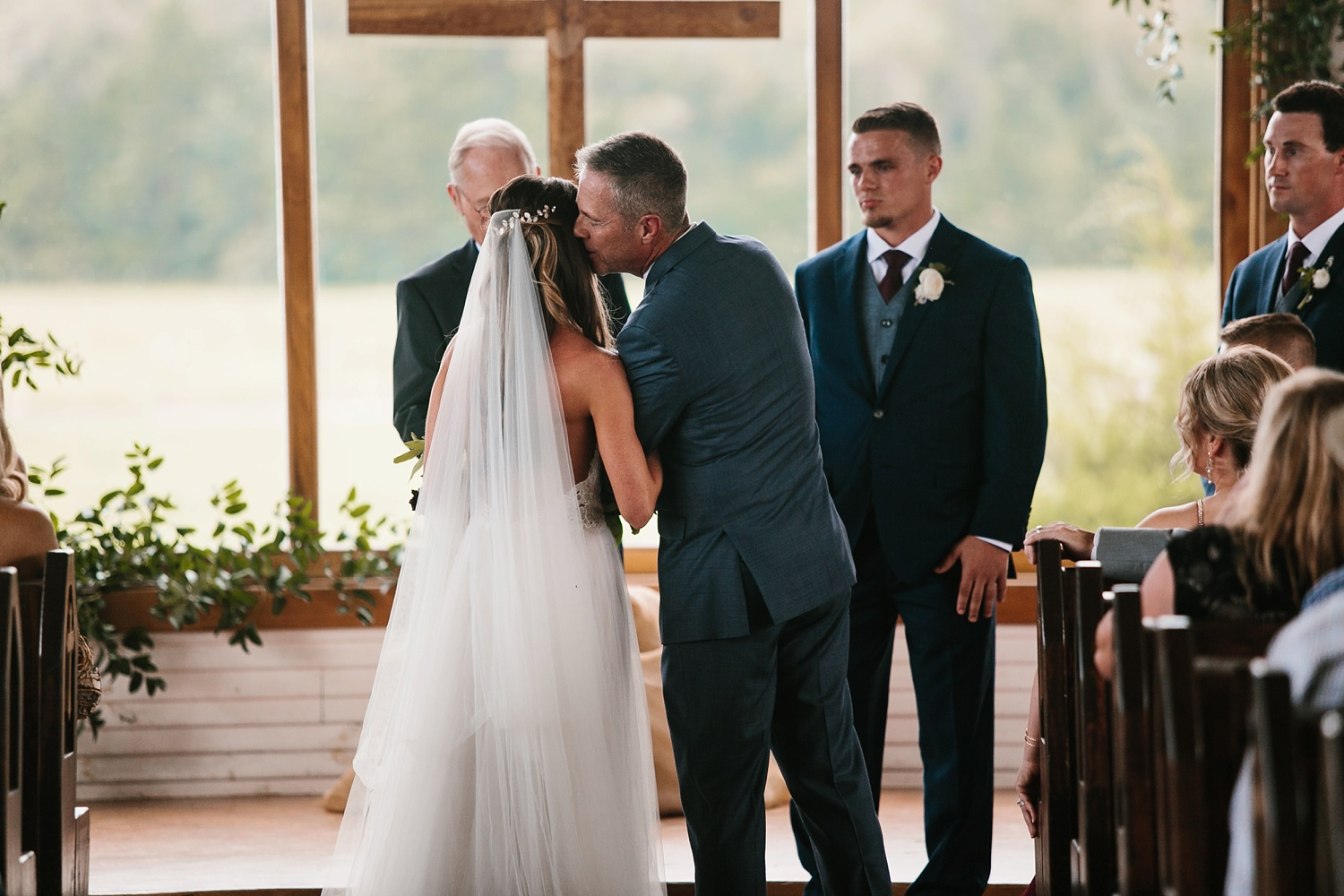 a passionate, emotion filled summer wedding with with navy and burgandy accents at The Brooks at Weatherford by North Texas Wedding Photographer, Rachel Meagan Photography _048