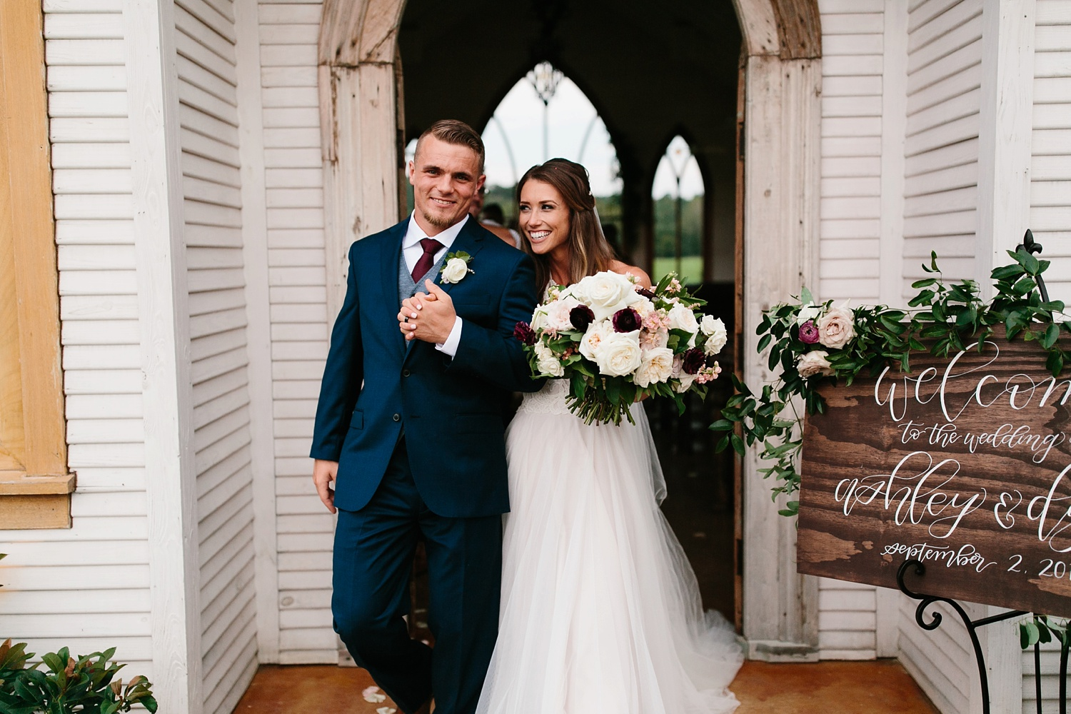 a passionate, emotion filled summer wedding with with navy and burgandy accents at The Brooks at Weatherford by North Texas Wedding Photographer, Rachel Meagan Photography _068
