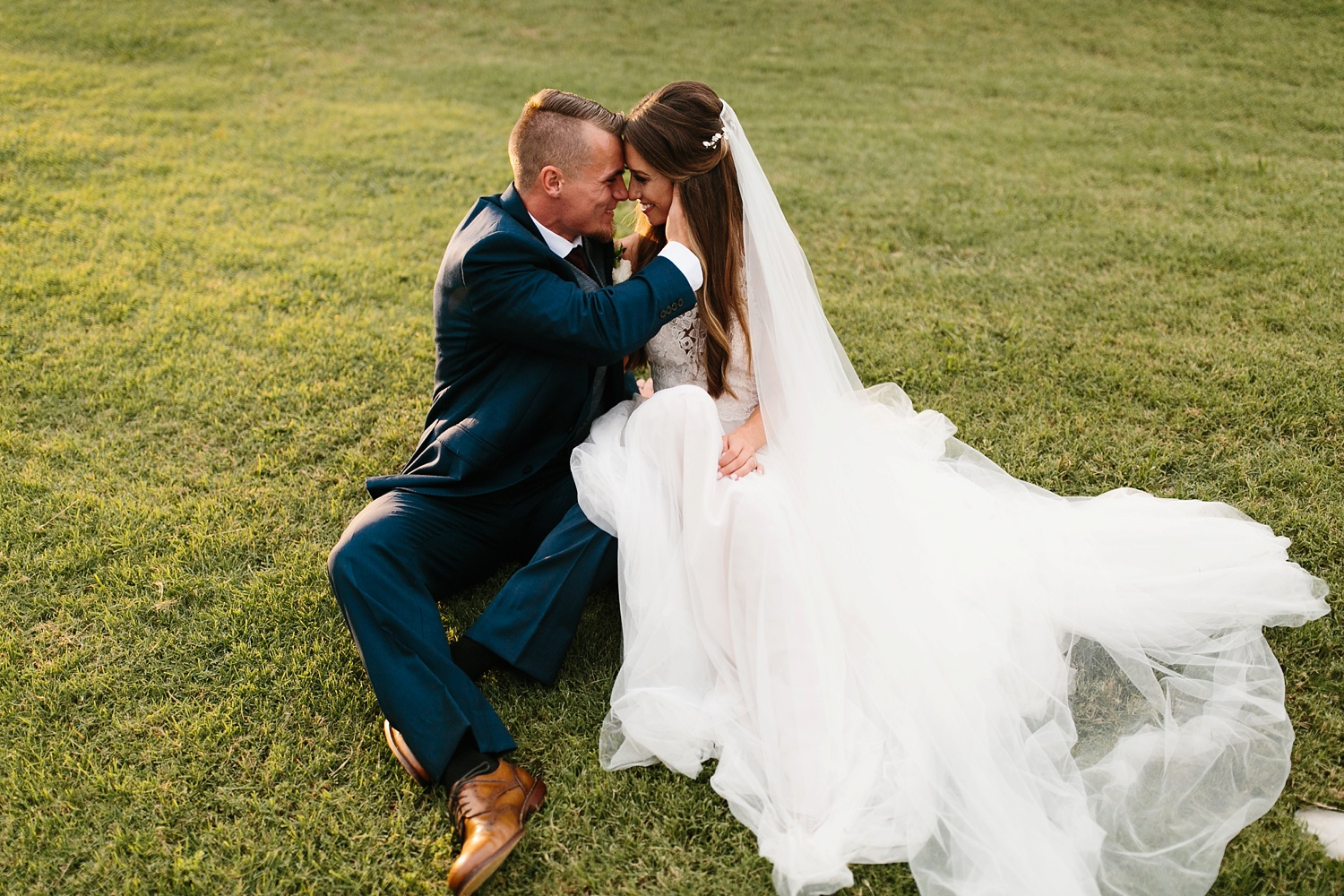 a passionate, emotion filled summer wedding with with navy and burgandy accents at The Brooks at Weatherford by North Texas Wedding Photographer, Rachel Meagan Photography _092