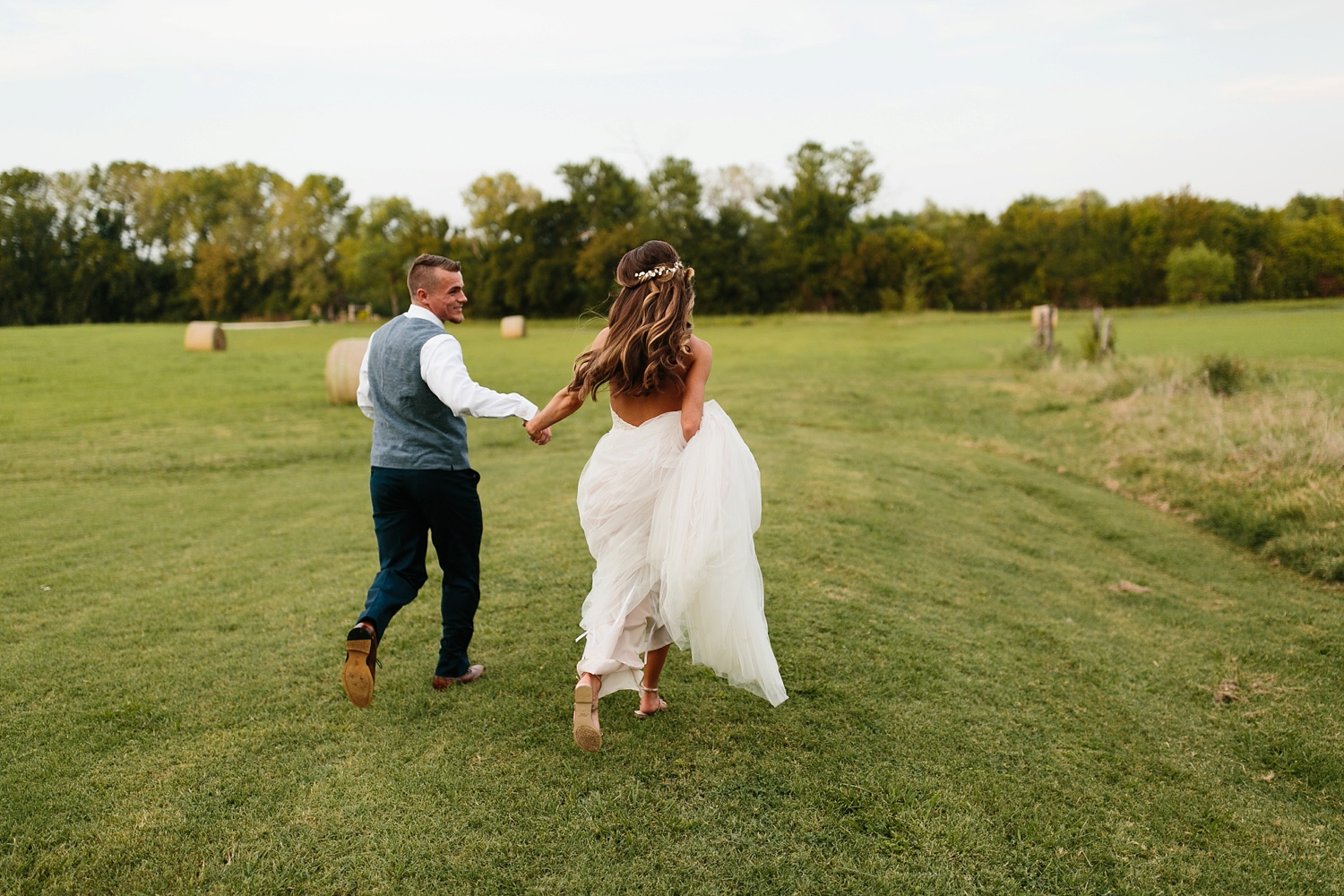 a passionate, emotion filled summer wedding with with navy and burgandy accents at The Brooks at Weatherford by North Texas Wedding Photographer, Rachel Meagan Photography _096