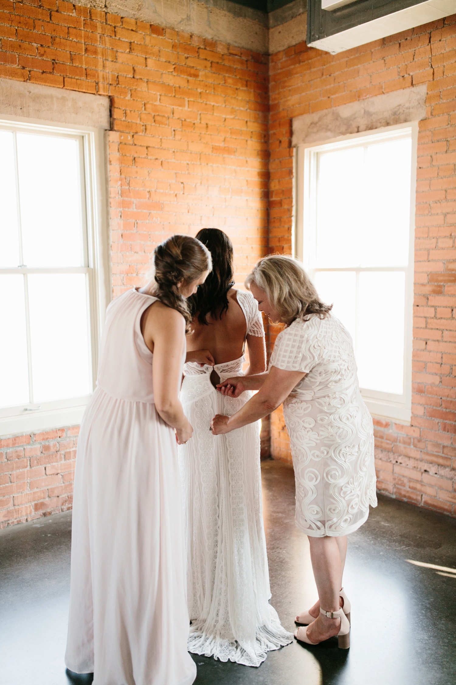 Kadee + Tyler | a raw, emotional wedding at the Filter Building on White Rock Lake in Dallas, TX by North Texas Wedding Photographer, Rachel Meagan Photography 018