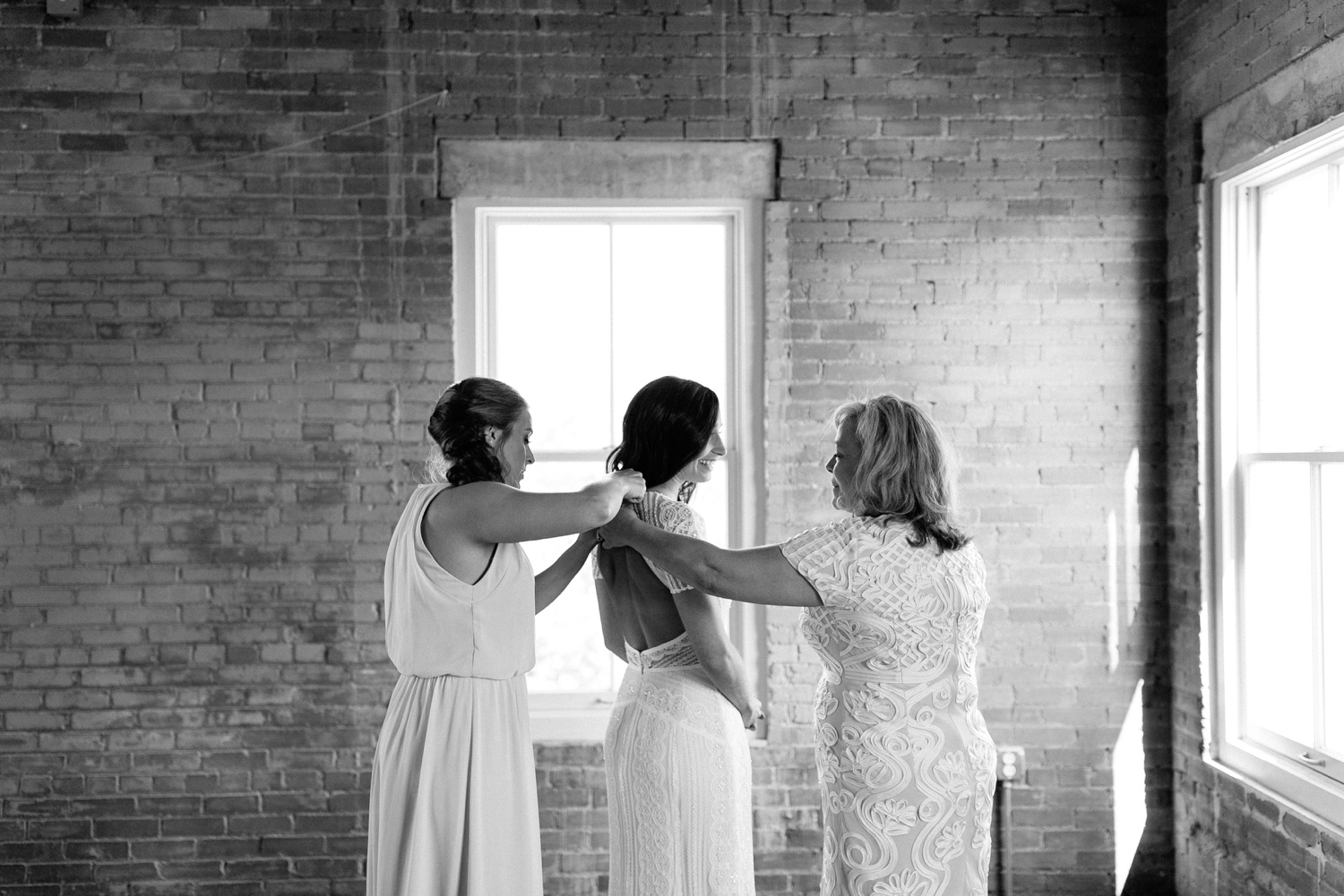 Kadee + Tyler | a raw, emotional wedding at the Filter Building on White Rock Lake in Dallas, TX by North Texas Wedding Photographer, Rachel Meagan Photography 019