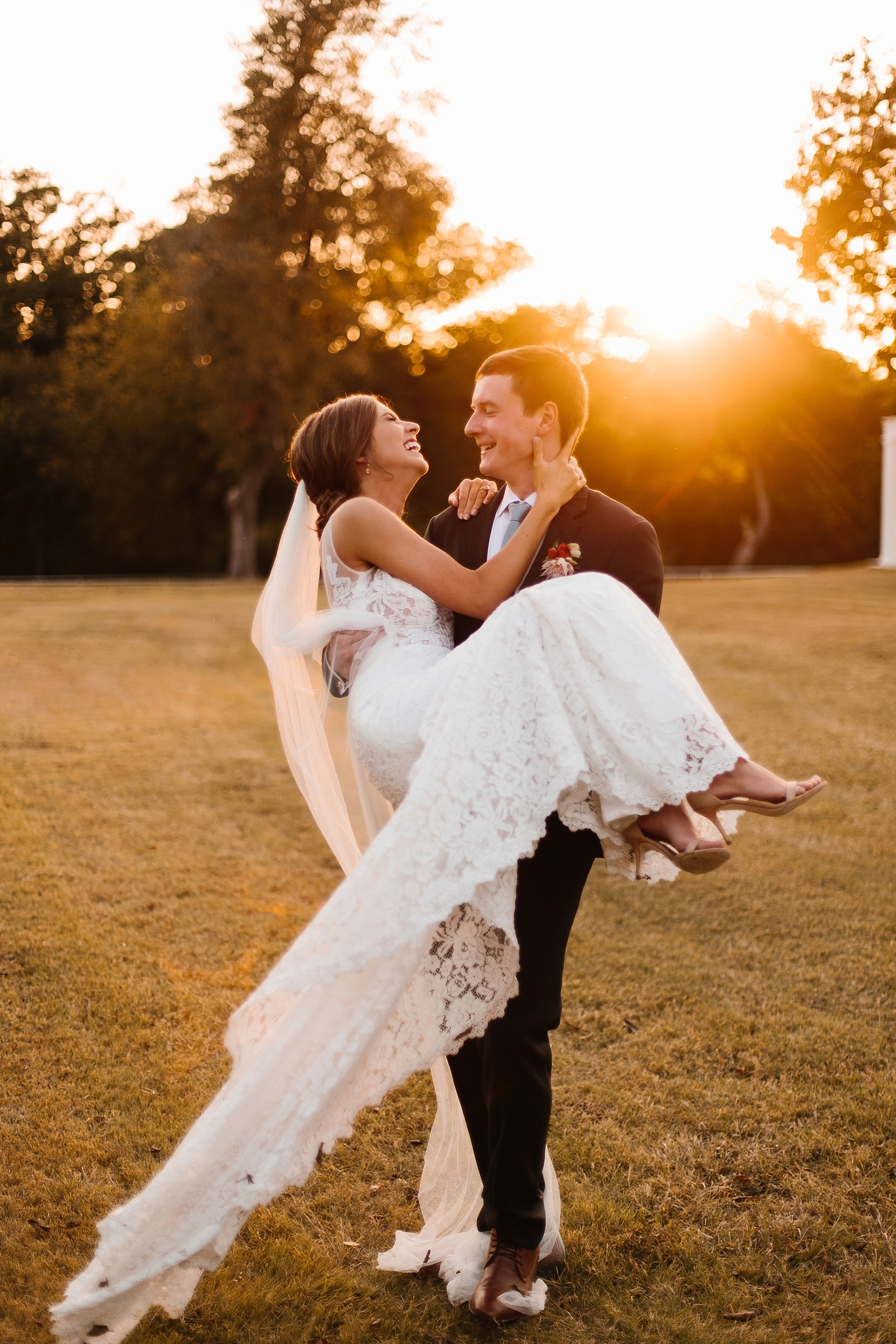 Lauren + Nathan _ a vibrant, wedding with a Navy, Red, and Duck Egg Blue Pallete at Firefly Gardens by North Texas Wedding Photographer Rachel Meagan Photography _ 114